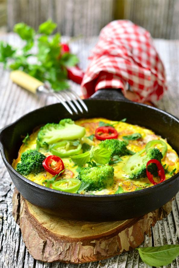 Omelette aux Légumes et Piment Chili