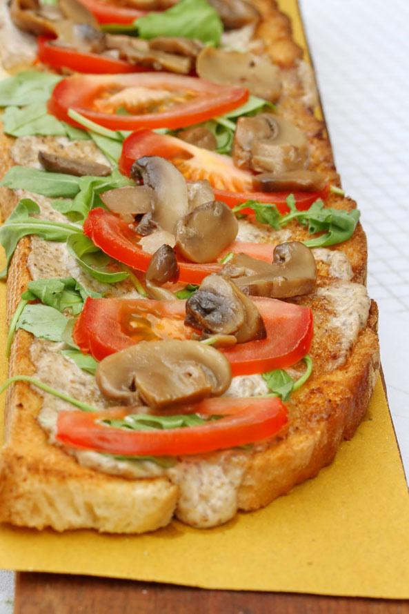 Toast de Champignons et Tomate